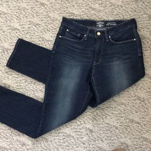 Levi's Signature Totally Shaping Slim Straight